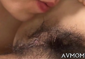 Pea-soup tight pussy mamma gets fingered