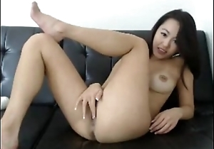Asian cam girl with a hitachi - Camsy.de