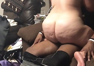 Married slut overhead couch riding young Negro bilge water