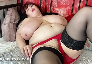 Roxanne with huge tits unreliably has a soft box