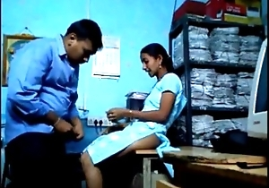 Office Wala Valentine Sex round Bhabhi