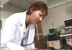 Loose-fitting Japanese MILF porn Doctor - xFuckCam.com